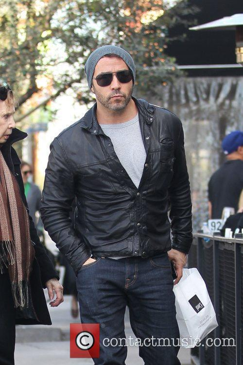 Jeremy Piven leaving Joans On Third after having...