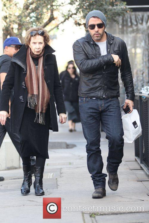 Jeremy Piven and his mother leave Joans On...
