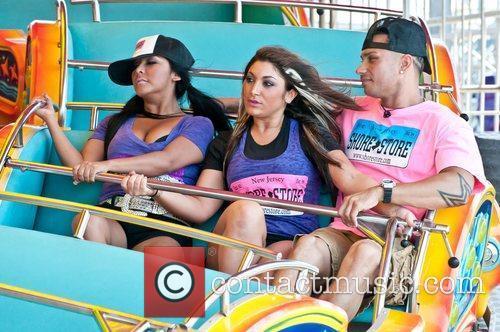 Snooki, Pauly D and Deena took a break...
