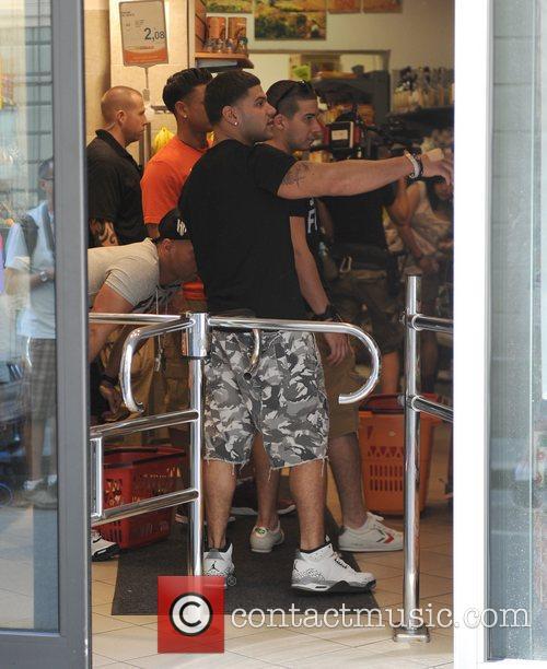 Ronnie Ortiz-Magro and Vinny Guadagnino Run some errands...