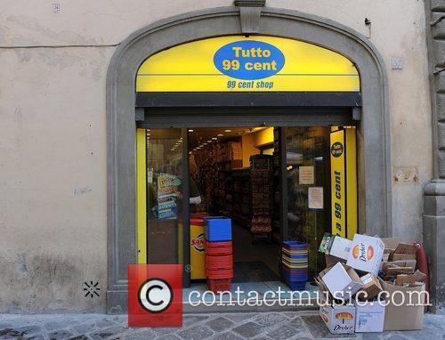 The Tutto 99cent shop, where the cast shop...