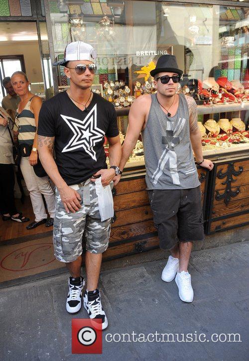 Paul Pauly D DelVecchio and Vinny Guadagnino Jersey...