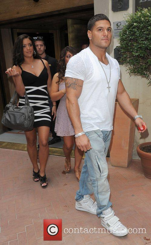Sammi Sweetheart Giancola and Ronnie Ortiz-Magro The cast...