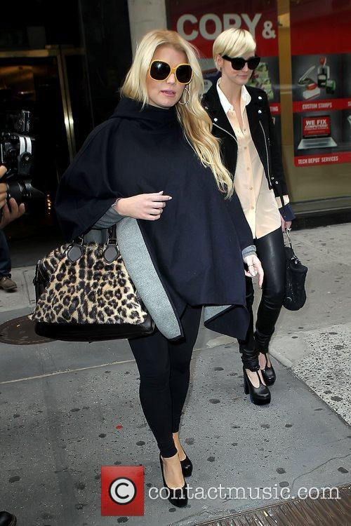 Jessica Simpson and Ashlee Simpson 7
