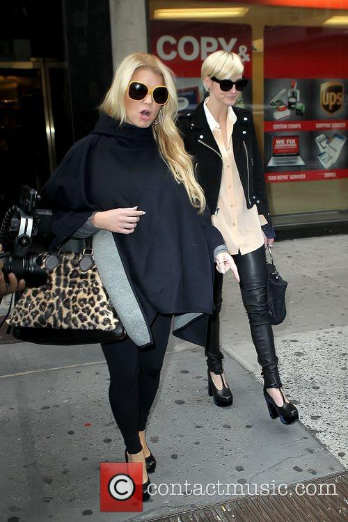Jessica Simpson and Ashlee Simpson 6