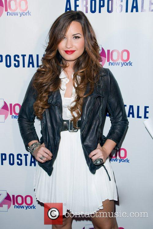 Demi Lovato  Z100's Jingle Ball 2011 Official...