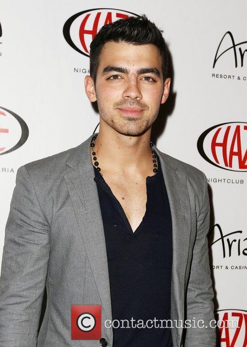 Joe Jonas 9