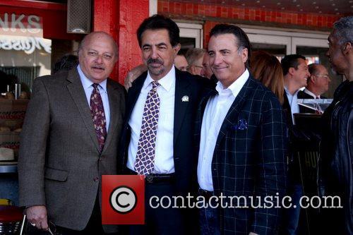 Dennis Franz, Andy Garcia and Joe Mantegna 1