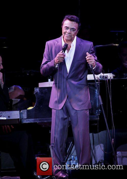 johnny mathis performing at manchester men arena 3561231