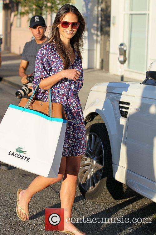 Jordana Brewster exits Byron and Tracey after having...