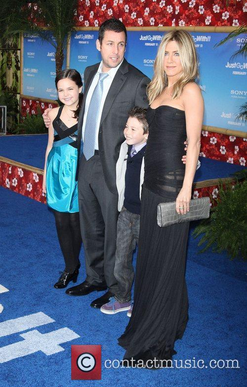 Bailee Madison, Adam Sandler, Griffin Gluck and Jennifer Aniston 10