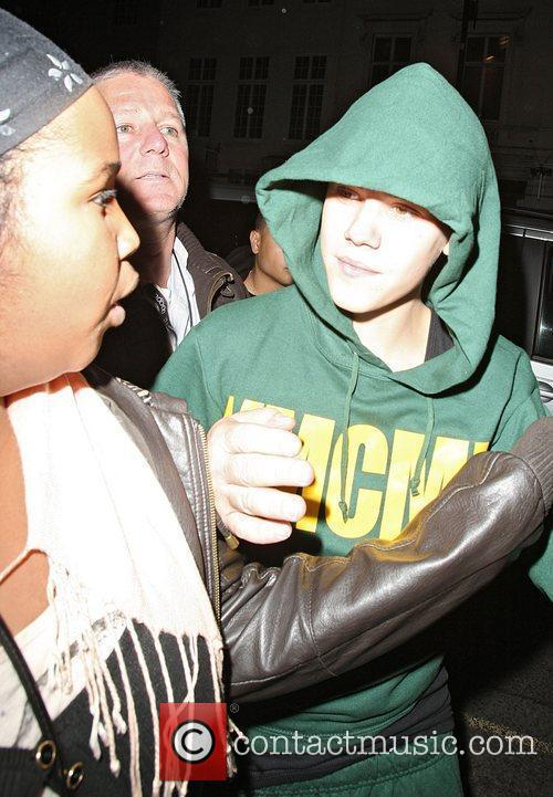 justin bieber young money cash money. Justin Bieber and Cash Money,