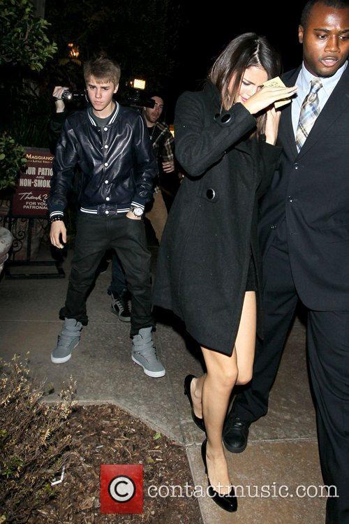 Justin Bieber and Selena Gomez 11