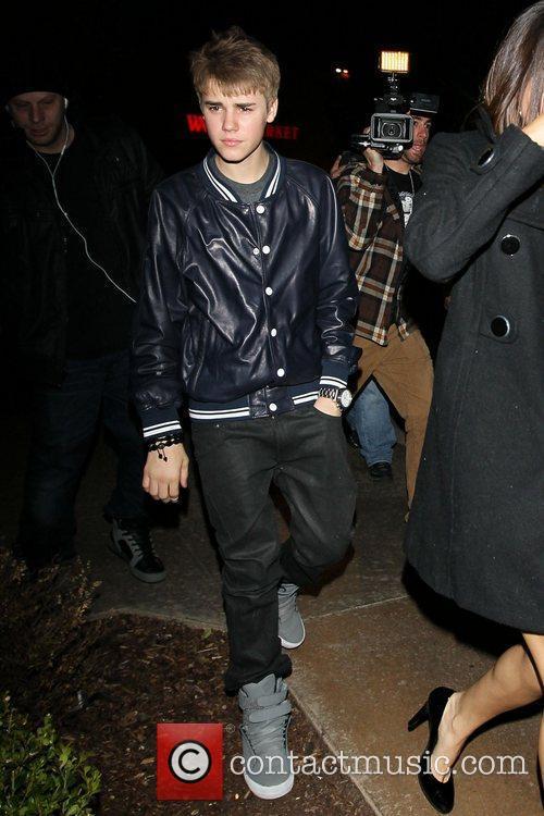 Justin Bieber and Selena Gomez 6