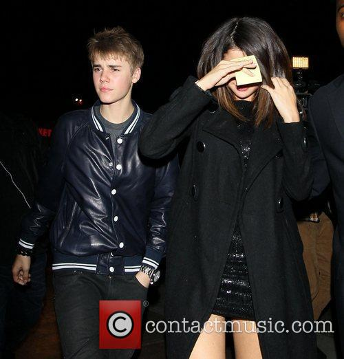 Justin Bieber and Selena Gomez 5