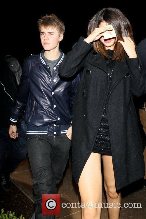 Justin Bieber and Selena Gomez 8