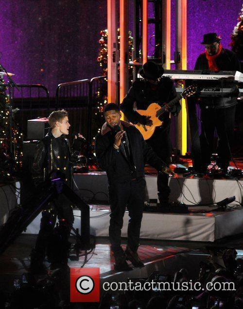 Justin Bieber and Usher 5