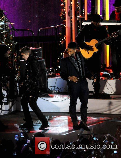 Justin Bieber and Usher 3