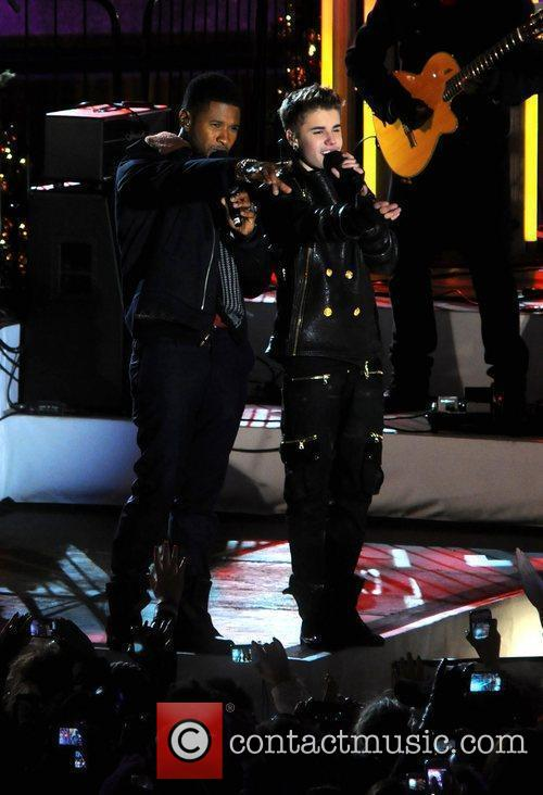 Justin Bieber and Usher 9