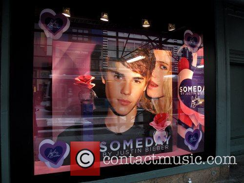 * BIEBER ATTACKED AT FRAGRANCE LAUNCH A man...