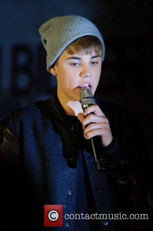 Justin Bieber, Switches, The Westfield Shopping Centre