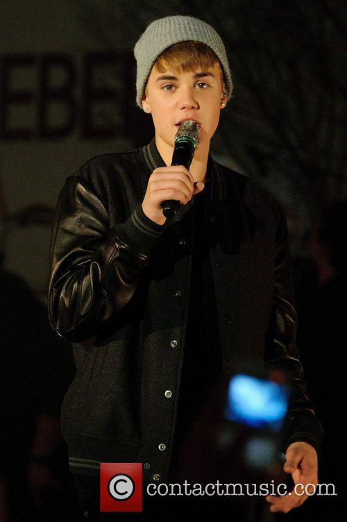 Justin Bieber, Switches and The Westfield Shopping Centre 4