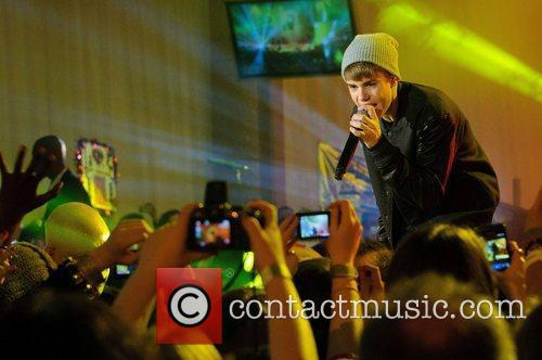 Justin Bieber, Switches and The Westfield Shopping Centre 10