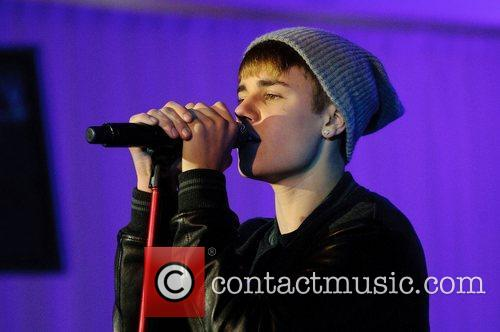 Justin Bieber, Switches and The Westfield Shopping Centre 6
