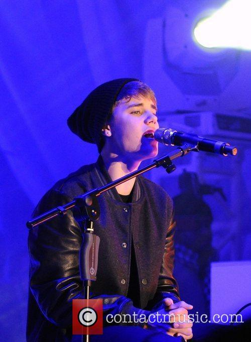 Justin Bieber and The Westfield Shopping Centre 2