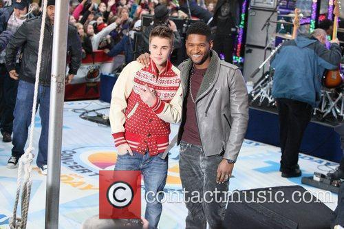 Justin Bieber and Usher 6