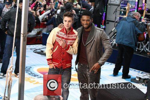 Justin Bieber and Usher 8