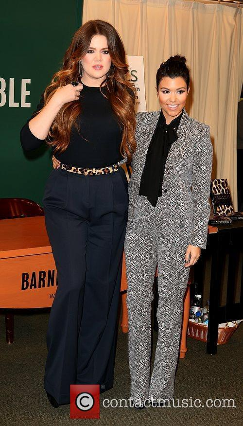 Khloe Kardashian and Kourtney Kardashian 7