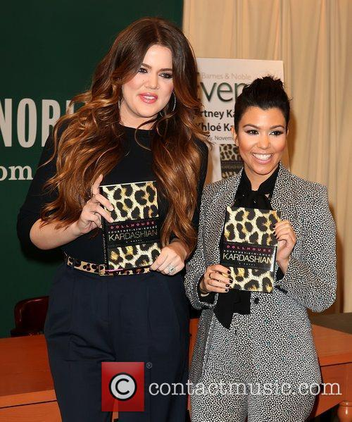 Khloe Kardashian and Kourtney Kardashian 8