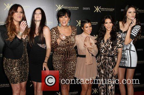 Kylie Jenner, Kendall Jenner, Kim Kardashian and Kourtney Kardashian 1