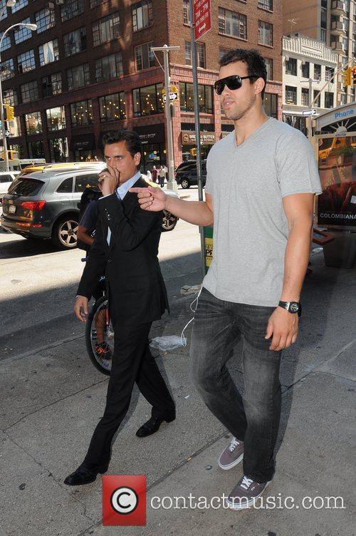 Scott Disick and Kris Humphries 10