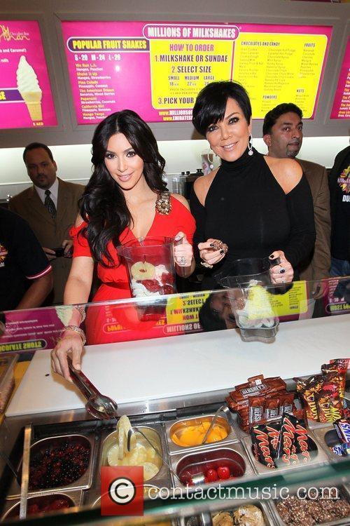 Kim Kardashian and Kris Jenner 3