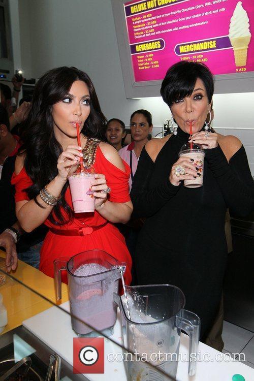 Kim Kardashian and kris jenner 15