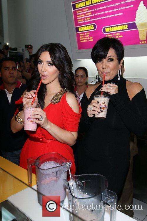 Kim Kardashian and Kris Jenner 5