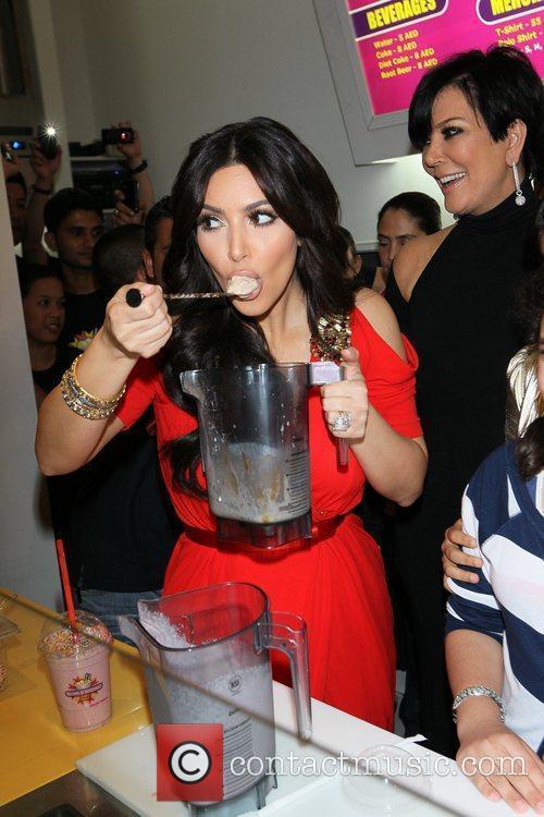 Kim Kardashian and kris jenner 17