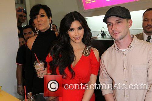 Kim Kardashian and kris jenner 12