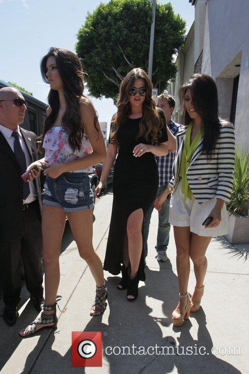 Kendall Jenner, Khloe Kardashian and Kourtney Kardashian 3