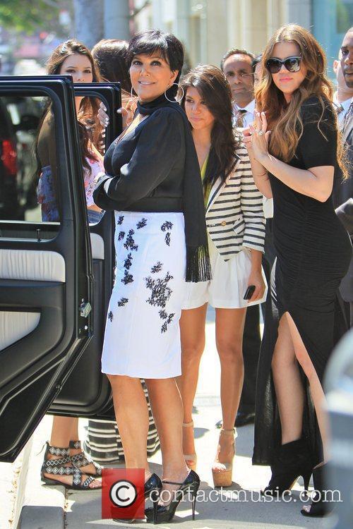 Kylie Jenner, Khloe Kardashian, Kourtney Kardashian and Kris Jenner 5