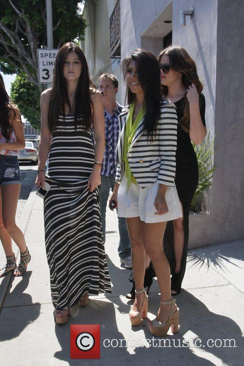 Kylie Jenner, Khloe Kardashian and Kourtney Kardashian 6