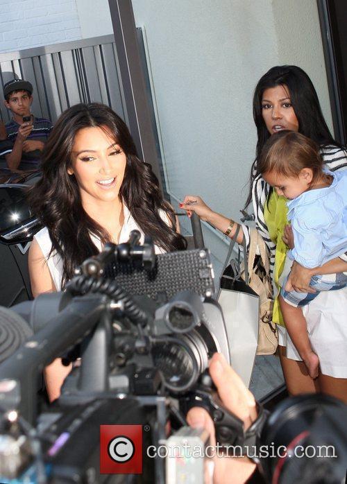 Kim Kardashian, Kourtney Kardashian and Mason 1