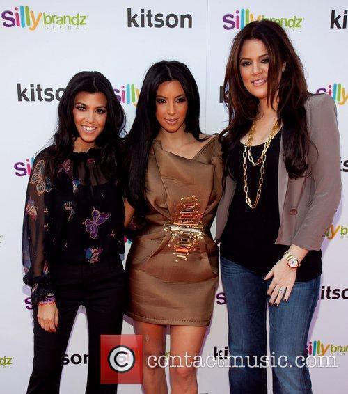 Kourtney Kardashian, Khloe Kardashian and Kim Kardashian 4