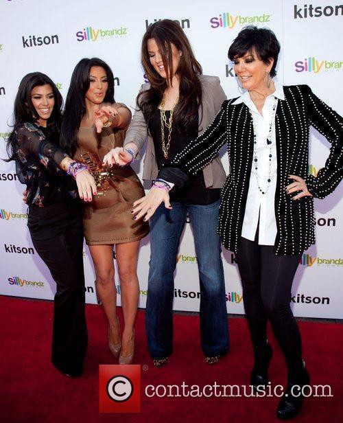 Kourtney Kardashian, Khloe Kardashian and Kim Kardashian 8