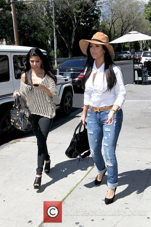 Kourtney Kardashian and Kim Kardashian 3