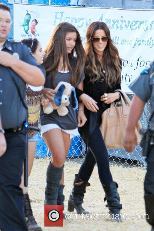 Kate Beckinsale takes her daughter and friends to...