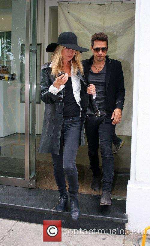 Newlyweds, Jamie Hince and Kate Moss 4