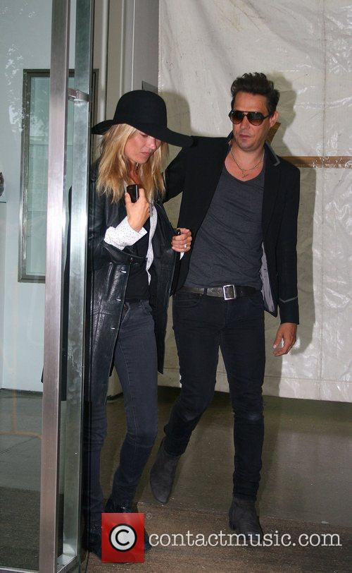 Newlyweds, Jamie Hince and Kate Moss 1
